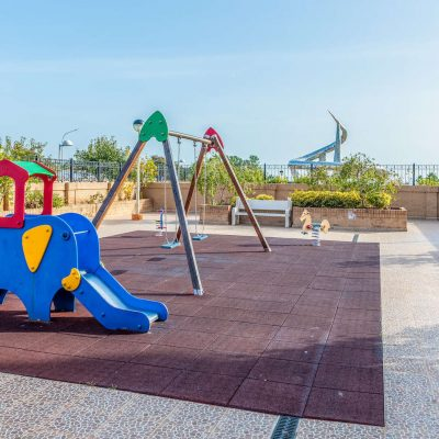 Zona Infantil Apartamentos Oromarina Jardines del Mar